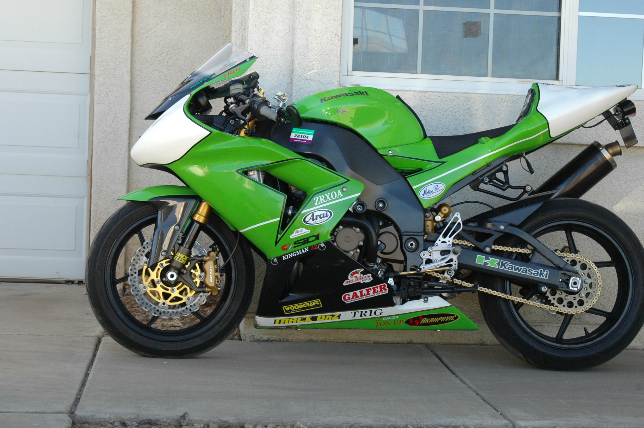 Name:  zx10r l:s 8ct 28 2017.JPG