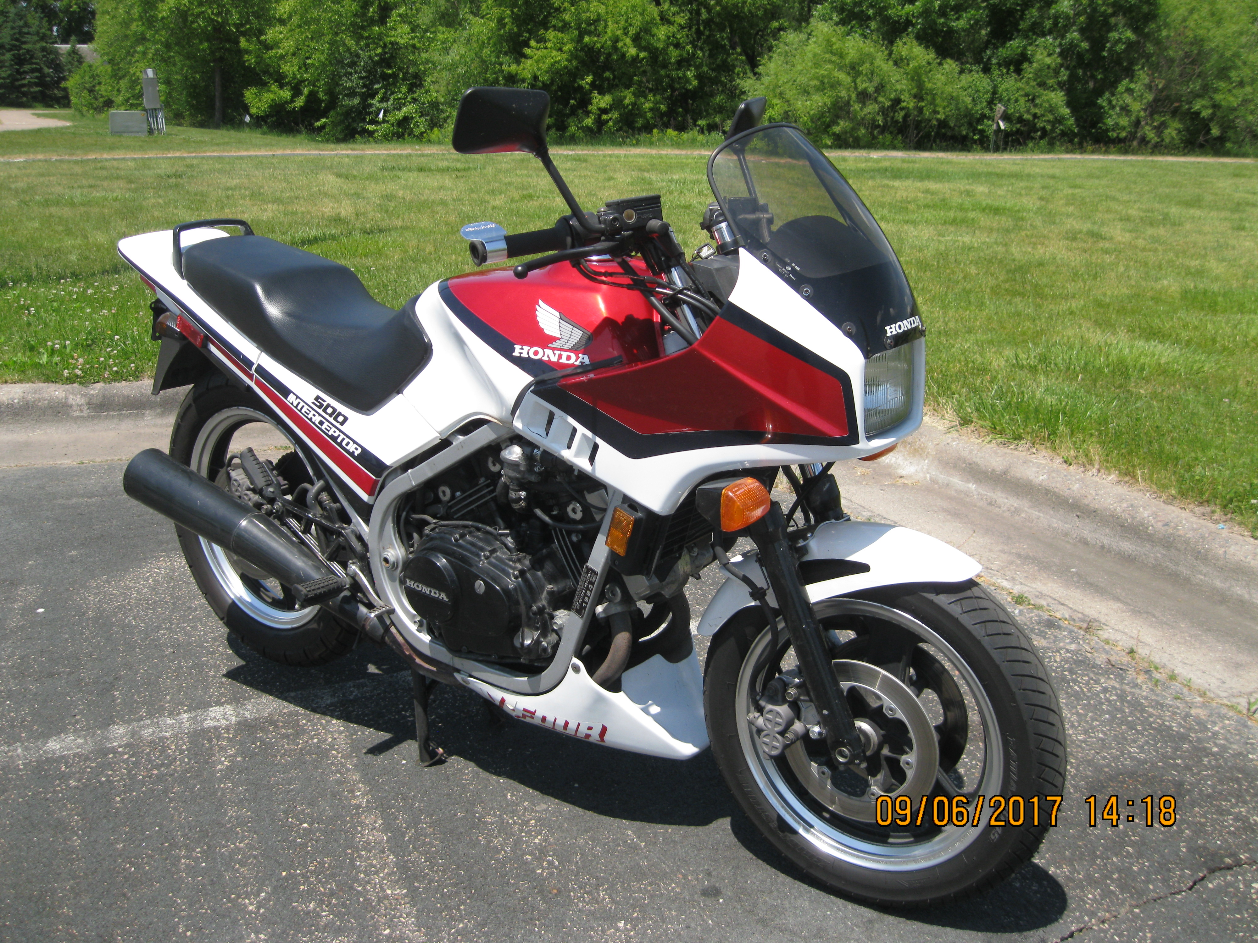 Name:  1984 Honda VF500F Interceptor.JPG Views: 568 Size:  3.57 MB